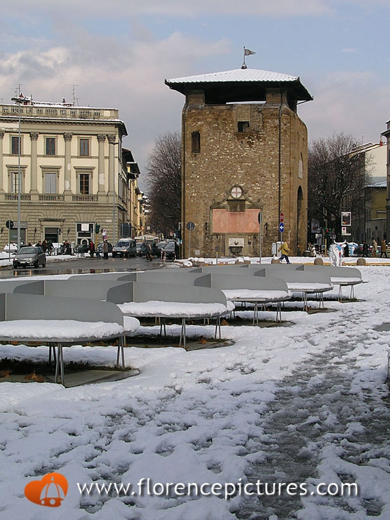 Piazza beccaria photo florence under the snow florence for Piazza beccaria