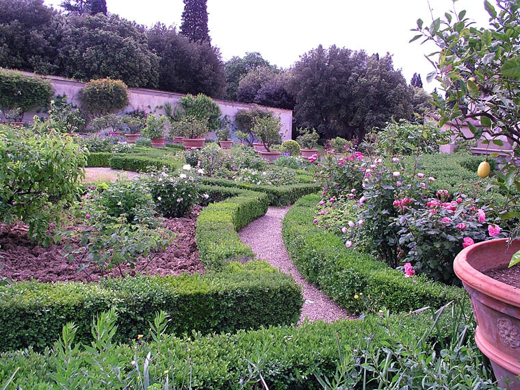 Garden of villa la petraia photo medicean villas of for Villa la petraia